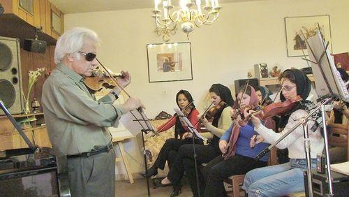 Ali Jafarian & Fars Women's Chamber Orchestra LA Times 12.20.09